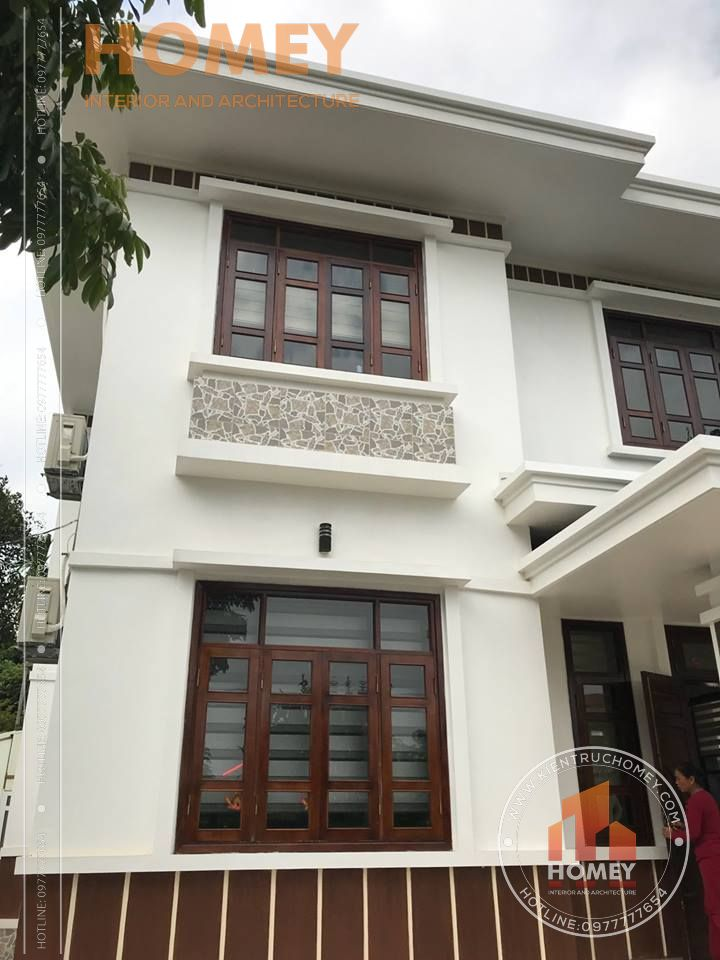 Cửa sổ biệt thự 2 tầng mái Thái