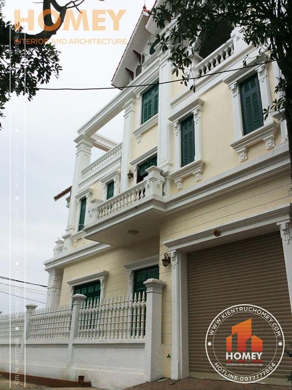 Hình ảnh chi tiết mặt bên hông biệt thự cổ điển