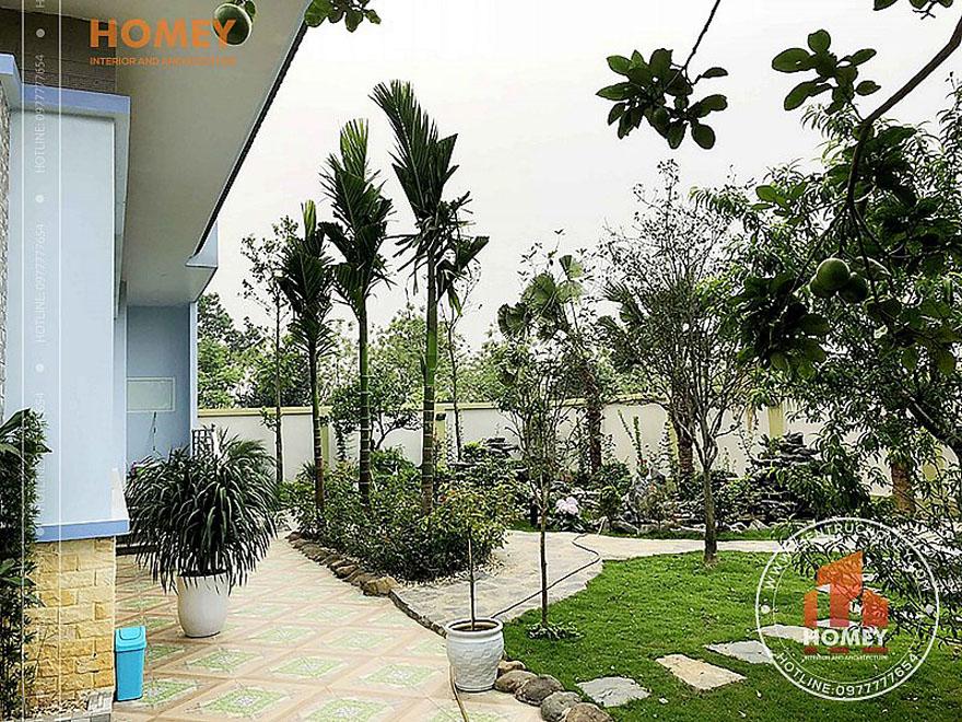 Sân vườn biệt thự 2 tầng mái Thái đẹp