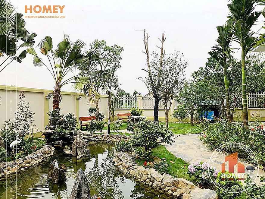 Sân vườn hồ cá koi biệt thự 2 tầng mái Thái