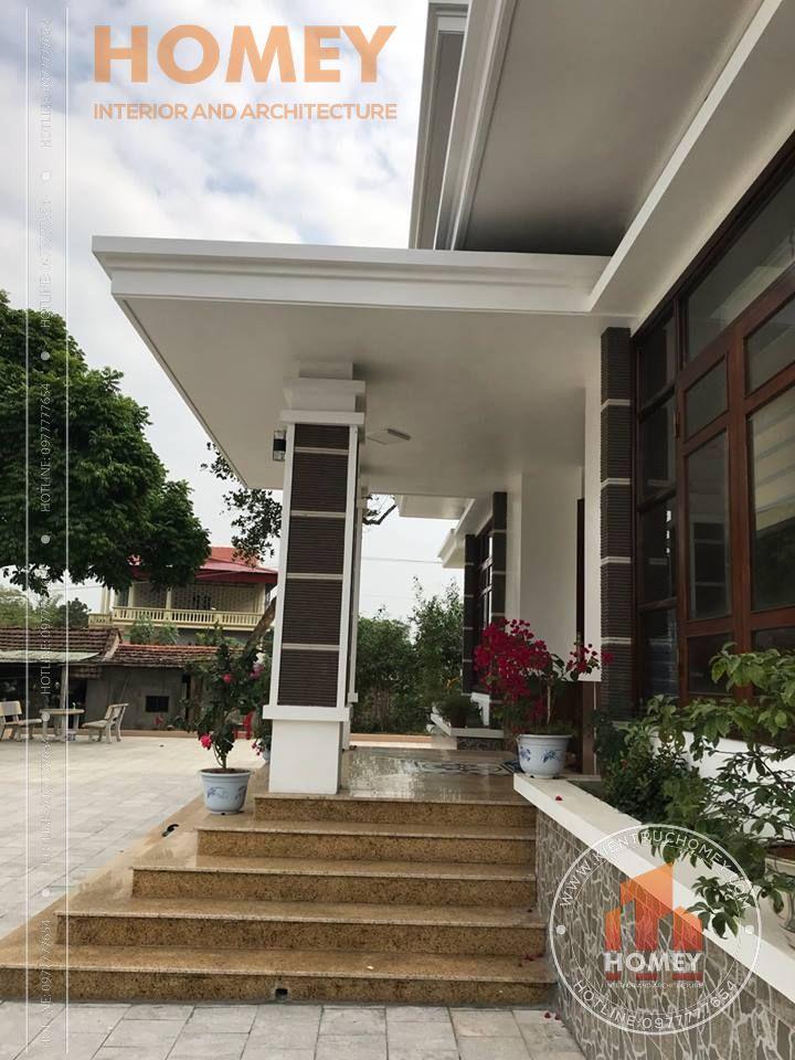 Thực tế bên hông sảnh chính biệt thự 2 tầng mái Thái
