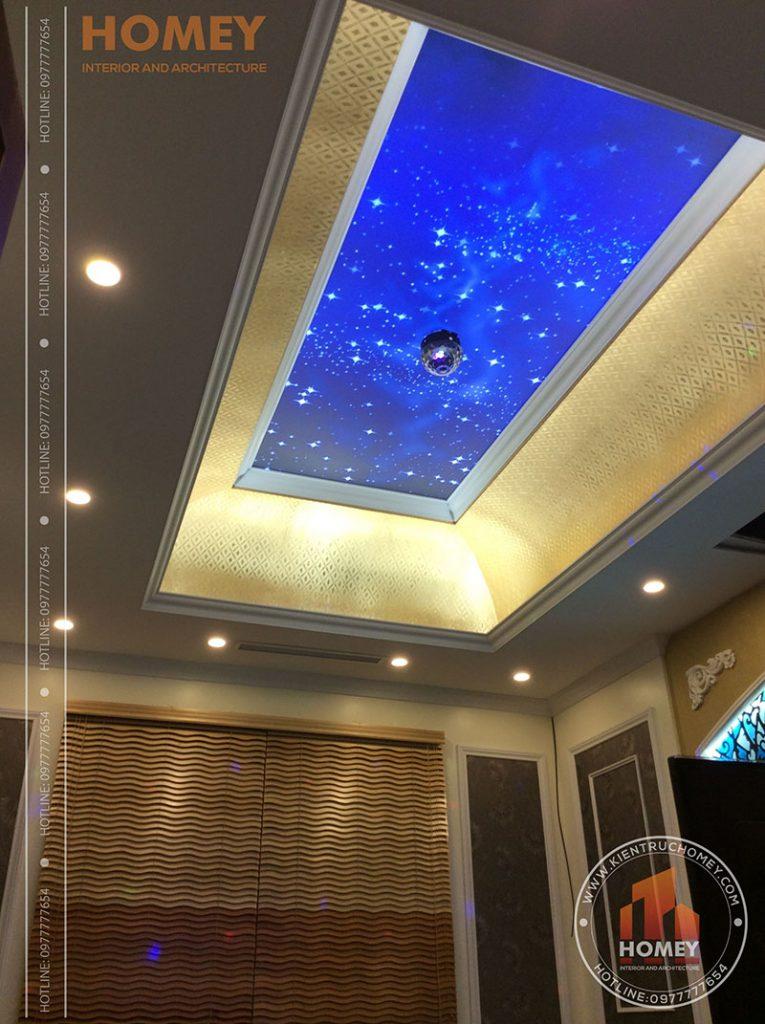 phòng karaoke nhà mái lệch 3 tầng hiện đại