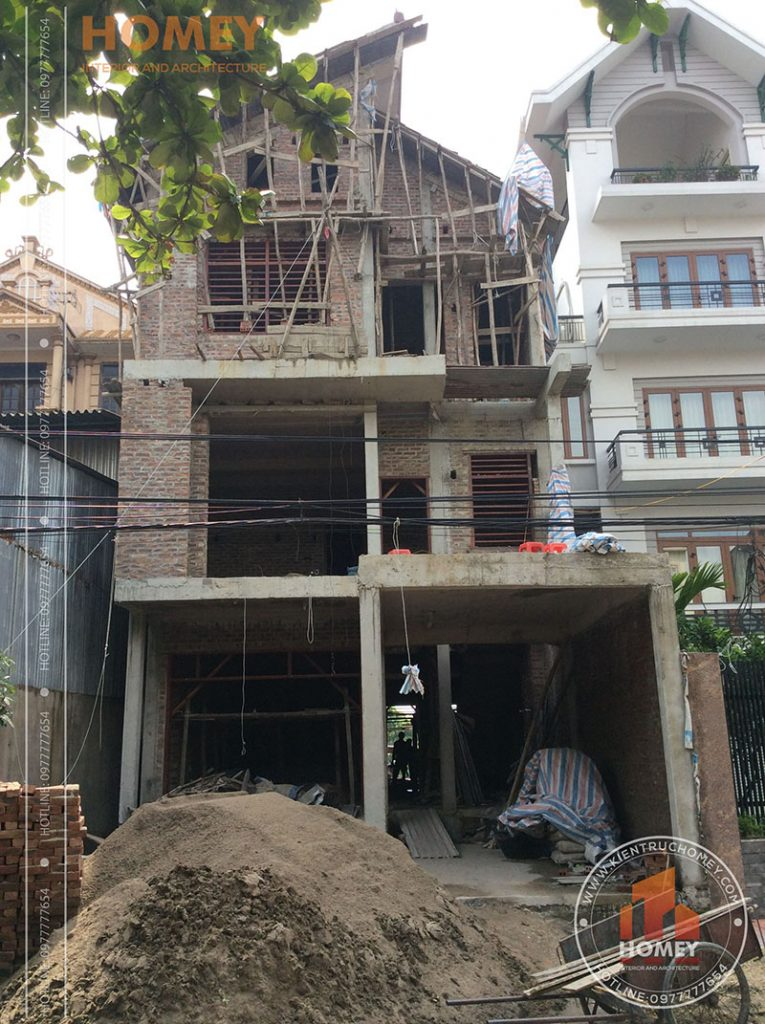 Hình ảnh xây thô nhà mái lệch hiện đại 3 tầng